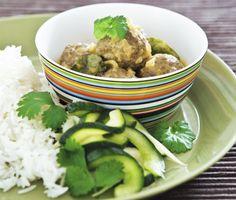 Recept: Köttbullar i kokos- & mangosås med inlagda grönsaker