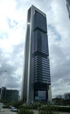 Torre Caja (Madrid), del arquitecto Norman Foster