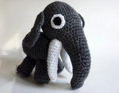 Knuffel olifant. Grijze knuffel olifant. Knuffel speelgoed. Zacht speelgoed.