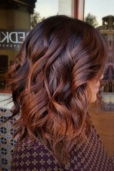 Gorgeous fall hair color for brunettes ideas (45) Copper Balayage Brunette, Red Balayage Hair, Auburn Balayage, Dark Red Balayage, Caramel Balayage, Caramel Ombre Hair, Fall Balayage, Caramel Hair Colors, Copper Bayalage