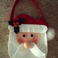 International Craft Patterns, (via Sew - Arts and Crafts: Santa Claus Handbag) Christmas Treat Bags, Christmas Favors, Felt Christmas Decorations, All Things Christmas, Handmade Christmas, Christmas Holidays, Christmas Crafts, Christmas Ornaments, Sewing Art