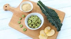 Green homemade baby puffs with apple and kale: gluten free + dairy free + refined sugar free. Cereal Recipes, Baby Food Recipes, Homemade Baby Puffs, White Bean Puree, Making Baby Food, Watermelon Baby, Baby Finger Foods, Iron Rich Foods, Fussy Eaters