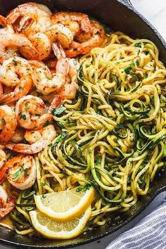 Lemon Garlic Butter Shrimp with Zucchini Noodles - This fantastic meal cooks in one skillet in just 10 minutes. and - Lemon Garlic Butter Shrimp with Zucchini Noodles - This fantastic meal cooks in one skillet in just 10 minutes. Lunch Recipes, Low Carb Recipes, Dinner Recipes, Healthy Recipes, Free Recipes, Drink Recipes, Shrimp Recipes Easy, Zoodle Recipes, Zucchini Pasta Recipes
