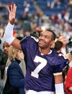 Randall Cunningham-1999 Handsome Football Players, Best Football Team, Minnesota Vikings Football, Football Uniforms, Nfl, Sports, People, Athletes, Pride