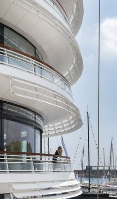 Image 17 of 24 from gallery of Yacht Club de Monaco / Foster + Partners. Photograph by Nigel Young / Foster + Partners Amazing Architecture, Contemporary Architecture, Architecture Details, Interior Architecture, La Croix Valmer, Big Yachts, Luxury Yachts, Future Buildings, Foster Partners