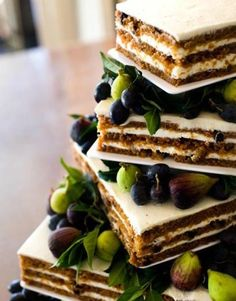 Carrot & Fig Cake - Isn't this pretty?