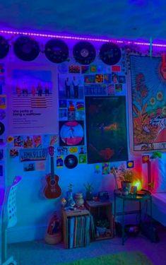 Indie Bedroom, Indie Room Decor, Cute Room Decor, Teen Room Decor, Aesthetic Room Decor, Grunge Bedroom, Neon Aesthetic, Room Design Bedroom, Room Ideas Bedroom