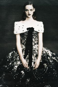 "Lisa Cant in ""Ladies in Waiting"" by Paolo Roversi"