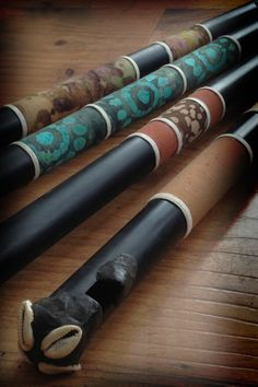 Custom-made Fulani-stlye flutes at kassaflutes.com