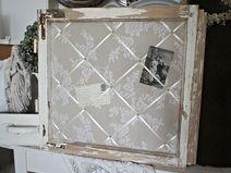 Shabby Pinnwand aus altem Fenster *Marit*