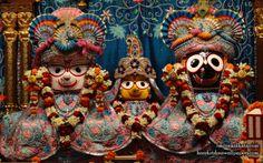 To view Jagannath Baldeva Subhadra  Wallpaper of ISKCON Calcutta in difference sizes visit - http://harekrishnawallpapers.com/jagannath-baladeva-subhadra-iskcon-calcutta-wallpaper-003/