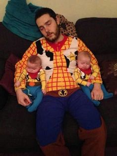 Ridiculously adorable dad and twin baby boys on Halloween :)