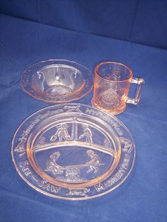 Vintage Janette Pink Depression Glass Child Dinner Set with Mother Goose Nursery Rhymes - 🔴I have the exact plate in green. It belonged to my husband as a child.over 75 years ago❗️