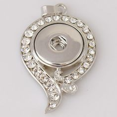 (This is for pendant only) Diameter Size: 42x31 mm Material: Zinc Alloy and Rhinestones
