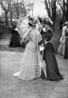 "les-modes: "" Fashions at the races, Les Modes September Photo by Ed. "" les-modes: "" Fashions at the races, Les Modes September Photo by Ed. 1900s Fashion, Edwardian Fashion, Vintage Fashion, Gothic Fashion, Edwardian Style, Women's Fashion, Steampunk Fashion, Style Édouardien, Looks Style"