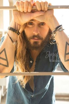 Jared Leto <-Omg my heart just skipped a beat ❤️ Most Beautiful Man, Gorgeous Men, Beautiful People, Linkin Park, Thirty Seconds To Mars, 30 Seconds, Shannon Leto, Just Jared, Man Crush