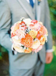 orange summer bouquet // photo by Mandy Mayberry // flowers by Blooms of Hope