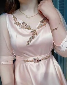 Abaya Fashion, Fashion Dresses, Comfortable Outfits, Traditional Dresses, Designer Dresses, Girls Dresses, Chiffon, Kaftan, Couture