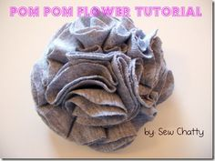 Pom Pom Flower Hairclip or Pin {Tutorial} Pom Pom Flowers, Diy Flowers, Fabric Flowers, Flower Diy, Pom Poms, Crafty Projects, Sewing Projects, Art Projects, Fabric Crafts