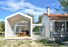 La Grange de Mon Père / MJ Architectes Modern addition to a traditional house. Thus combining both a house and an iconic representation of a house. Houses In France, Minimal Home, Small Buildings, House Extensions, Home Additions, Historic Homes, Traditional House, Modern Traditional, Modern Architecture
