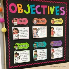 Love this easy to maintain objectives bulletin board! Perfect for busy primary teachers in first, second, and third grade!