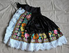 Slovak Apron, via Flickr. Vintage Outfits, Vintage Clothing, Folk Costume, Costumes, European Dress, Folk Embroidery, Whimsical Art, Traditional Outfits, Fabric Patterns