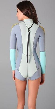 This fiber-lite neoprene wetsuit features contrast…  surfingfitness Surfer bac4a58fae5