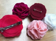 The Contemplative Creative: Project : Felt Flower Pins