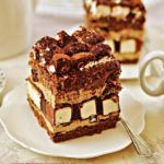 """""""Dziwaczek"""" cake with marshmallows and coffee cream Baking Recipes, Cake Recipes, Easy Blueberry Muffins, Polish Recipes, Food Cakes, Homemade Cakes, Yummy Cakes, Delicious Desserts, Sweet Tooth"""