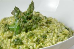 Rachel Allen's oven baked risotto with summer vegetables recipe Baked Risotto Recipes, Asparagus Risotto Recipe, Oven Baked Risotto, Baked Asparagus, Garlic Recipes, Risotto Rice, Healthy Eating Recipes, Vegetarian Recipes, Healthy Eats