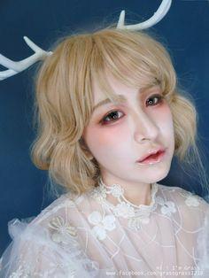 空靈的中性鹿角精靈彩妝,迷幻暈染高質感妝容 (暈染腮紅眼影+立體透明唇彩)