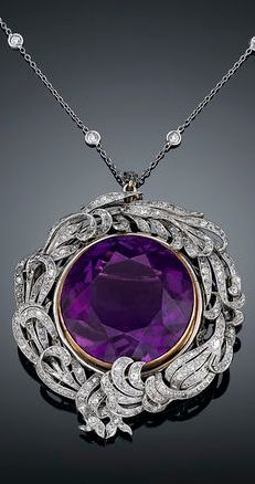 A rare 39.29-carat Siberian amethyst takes center stage in this Belle Époque pendant brooch