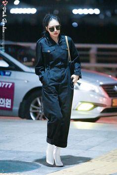 Airport Style, Airport Fashion, Apink Naeun, Son Na Eun, Pink Panda, Korean Fashion, Girl Fashion, Normcore, Kpop