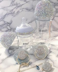 Glamorous Swarovski Crystal Avent Nursing Bottle - Our Exquisite Avent Swarovski Crystal Gift Set is a wonderful gift for a newborn. Create your own u - Baby Bling, Baby Outfits, Baby Shower Gifts, Baby Gifts, Baby Presents, Swarovski, Baby Necessities, Crystal Gifts, Baby Arrival