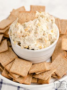 Ranch Chicken Cheese Dip is the perfect appetizer for parties! This cream cheese dip recipe is made with chicken, cream cheese, cheddar cheese and ranch dressing - that's it! Cream Cheese Chicken Dip, Cream Cheese Dips, Cream Cheese Filling, Cheddar Cheese, Butter Cheese, Soup Appetizers, Appetizers For Party, Italian Appetizers, Italian Seasoning Packet