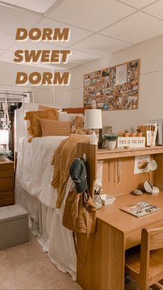 Cozy Dorm Room, Cute Dorm Rooms, Dorm Room Beds, Girl Dorm Rooms, Dorm Room Ideas For Girls, Dorm Room Setup, Dorm Room Themes, Dorm Room Styles, Dorm Room Bedding