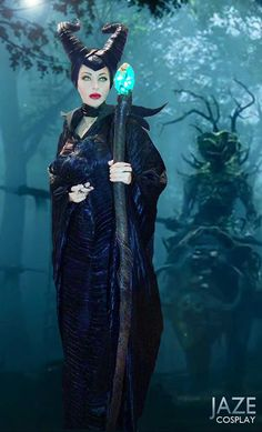 Wow! Incredible Maleficent cosplay from the new movie! - 10 More Maleficent Cosplays