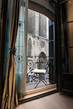 Two-bedroom apartment for rent in the Gothic Quarter, Barcelona – Pi Luxury – Mobel Deko Ideen European Apartment, Zeitgenössisches Apartment, Furnished Apartment, Two Bedroom Apartments, Luxury Apartments, Small Apartments, Rental Apartments, Contemporary Apartment, Contemporary Bedroom