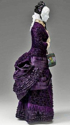 French 1880-83 bustle day dress