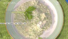 """La ricetta del risotto verde al sedano e gorgonzola di Sergio Barzetti, tratta dal libro del cuoco e proposta a """"La prova del cuoco""""il 12 gennaio 2016,"""