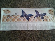Toalha de Rosto pintada a mão 1 Toalha de Rosto 50 cm x 80 cm é felpuda aveludada de toque macio e confortável. Confeccionado em 85% algodão.