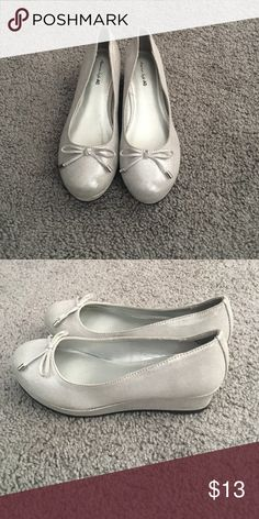 Girls silver wedge dress shoes Silver wedge dress shoes with bow. Size 3. Shoes Flats & Loafers