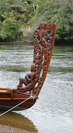 New Zealand - Detail of Waka on Waikato River Chatham Islands, Moving To New Zealand, Maori Designs, Maori Art, Kiwiana, Canoes, Bone Carving, Small Island, What Is Like