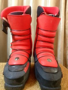 Vintage Skiboots by Rraichle Red 81 2 M   eBay