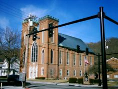 Ripley, OH (Brown County) - A gothic style church on U. Route built in the mid Abandoned Ohio, Abandoned Buildings, Abandoned Places, Ripley Ohio, Brown County, Ohio River, 10 Picture, Portsmouth, Ghost Towns