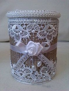 Discover thousands of images about annya / Dóza shabby chic Shabby Chic Crafts, Shabby Chic Decor, Tin Can Crafts, Diy And Crafts, Decoupage Jars, Tin Can Art, Diy Cans, Jar Art, Plastic Bottle Crafts