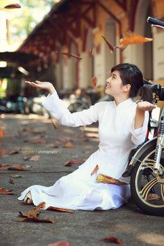 Ao Dai white ,girl , ao dai trang, ao dai vietnam, vietnamese girl