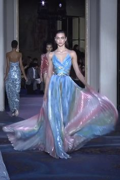 Zuhair Murad Look 27 - Amazing Blue Backless Slip Empire Waist Evening Maxi Dress / Evening Gown with open Back and small Train. Couture Spring Summer 2019 by Zuhair Murad Source by - Style Haute Couture, Couture Fashion, Runway Fashion, Couture Dresses, Fashion Dresses, Maxi Dresses, Work Dresses, Modest Dresses, Casual Dresses