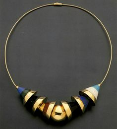 Have you Seen This Forgotten PoMo Jewelry by 1980s Architects?,Jewelry designed by Robert Venturi. Image © Rizzoli New York Courtesy of Sight Unseen