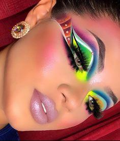Eyeshadow Designs, Eyeshadow Makeup, Makeup Trends, Makeup Inspo, Golden Makeup, Smokey Eye Makeup Look, Extreme Makeup, Rave Makeup, Makeup Makeover